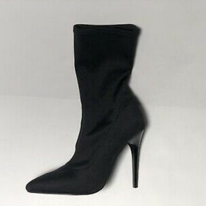 LIKE NEW! Black Ankle Sock Booties (SIZE 7)
